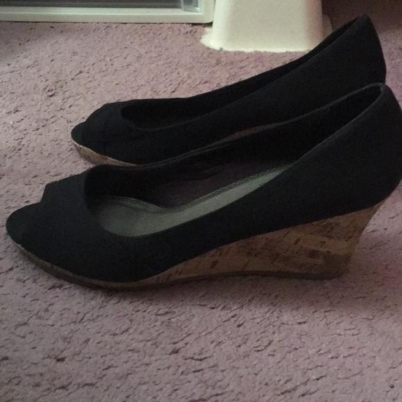 Life Stride Shoes | Peep Toe Wedge Shoe